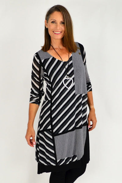 Black White Alisha Tunic | I Love Tunics | Tunic Tops | Tunic Dresses | Women's Tops | Plus Size Australia | Mature Fashion