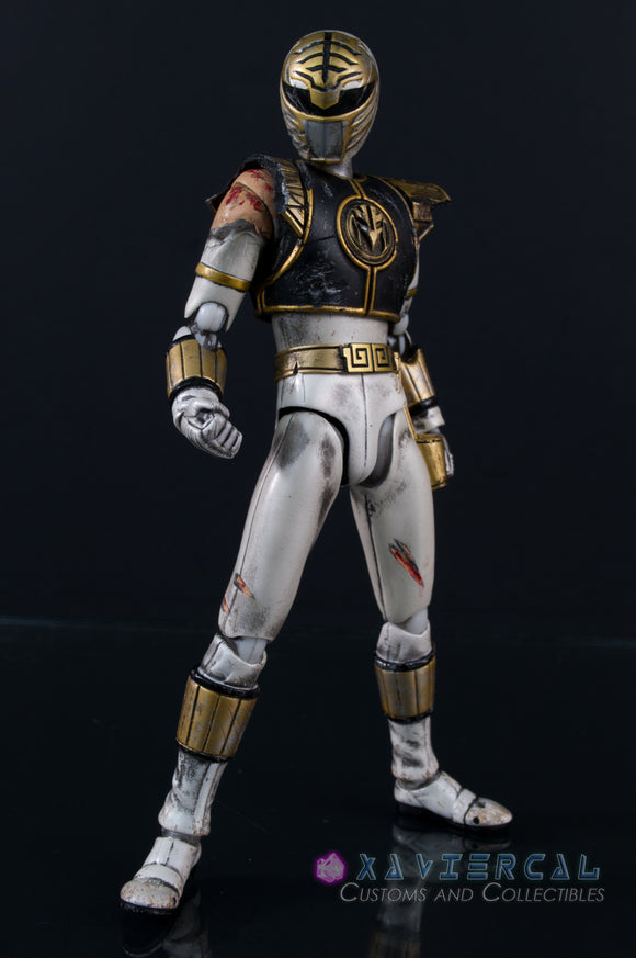 Xavier Cal Custom S. H. Figuarts Mighty Morphin Power Rangers - White Ranger Battle Damage