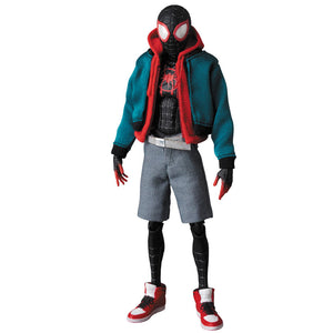 MAFEX Spiderman Into the Spider-Verse - Spider-man Miles Morales