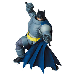 MAFEX Batman The Dark Knight Returns - Armored Batman Pre-order
