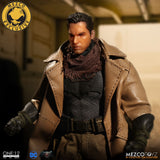 Mezco One:12 Collective Exclusive Batman V Superman: Knightmare Batman
