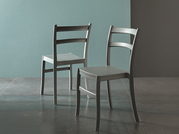 Norma stackable indoor/outdoor chair by Altacom Italia