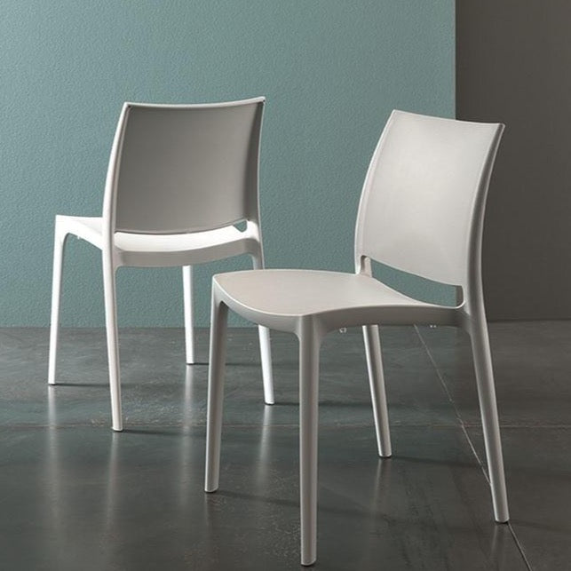 Vesta stackable indoor/outdoor chair by Altacom Italia