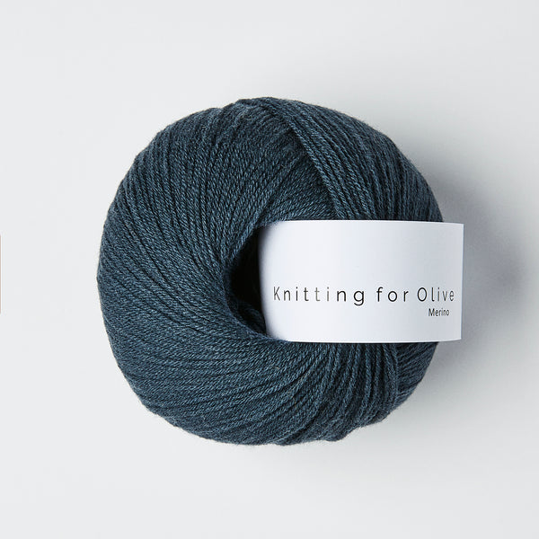 Knitting for Olive Merino - Dyb Petroleumsblå