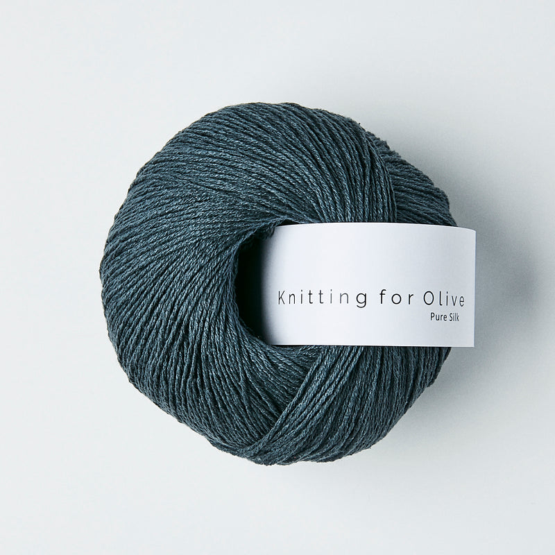 Knitting for Olive Pure Silk - Dyb Petroleumsblå