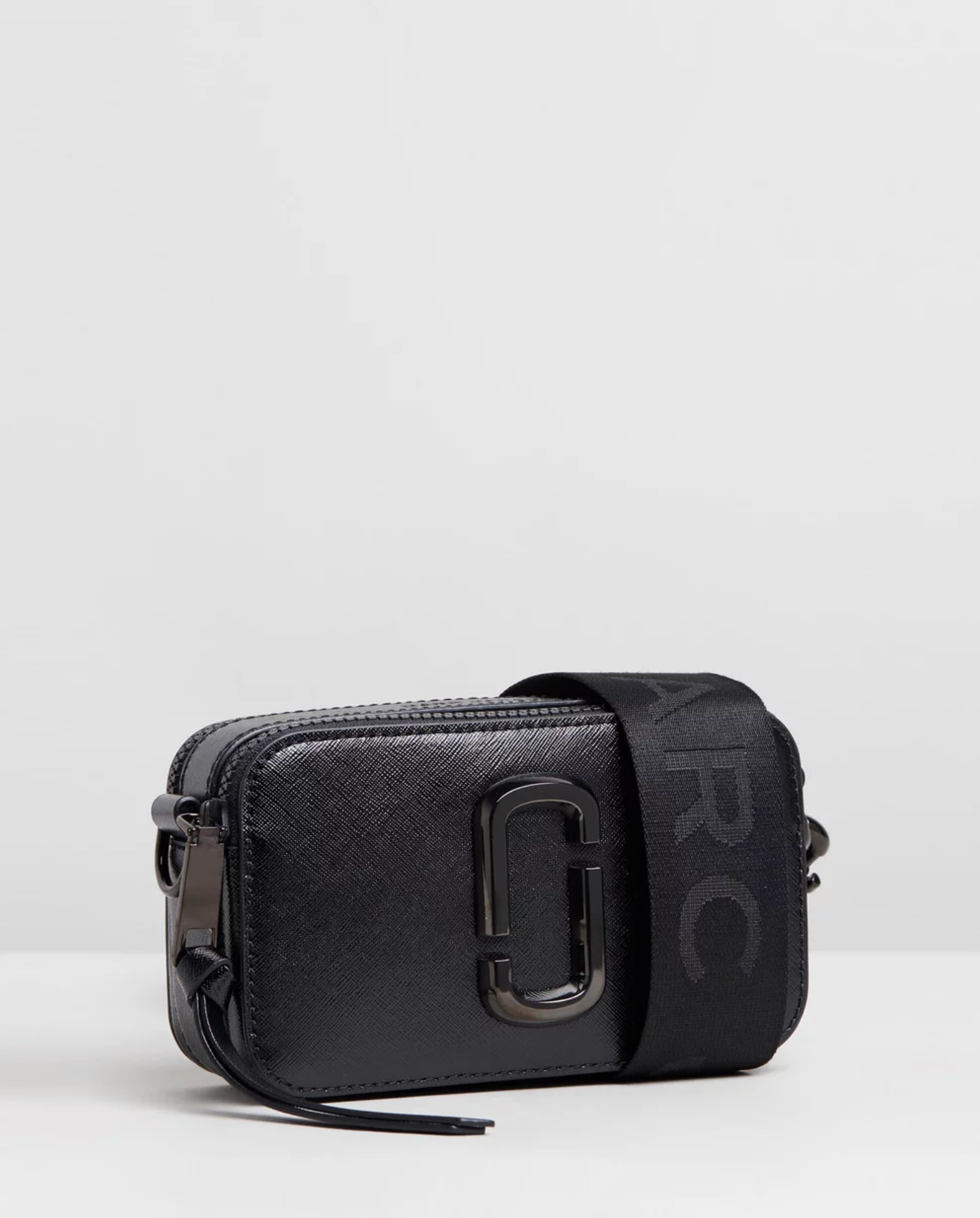 Marc Jacobs - Black cross-body shoulder bag The snapshot