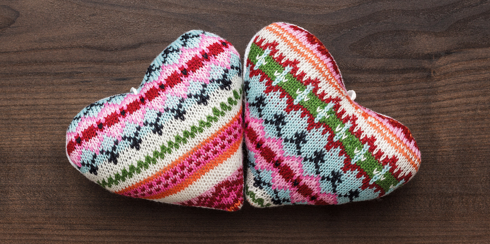 REUSE: Repurpose Old Sweaters and Jumpers - Gift Wrapping - Knitted Hearts