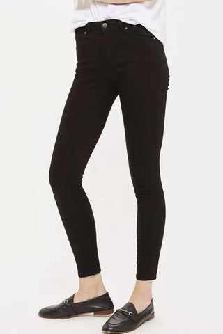 Dream jeans: From day to night - The essential wardrobe item, Black Moto mid-rise slim fit jeans on ownmuse.com