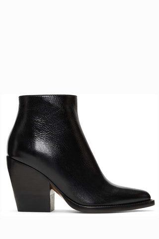Chloé - 'Rylee' black leather pointed-toe ankle boots