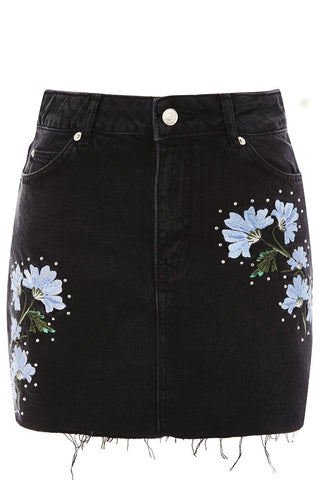 "MOTO Floral Embroidered Appliqué Black Denim Skirt<a href=""http://shopstyle.it/l/huog"" target=""_blank"">"