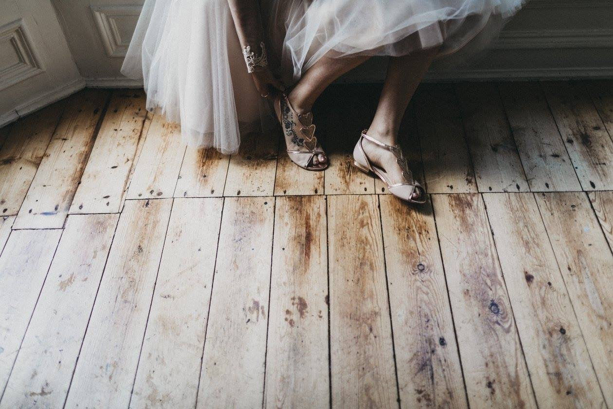 rosegold-flatweddingshoes-bride-realbride-realwedding