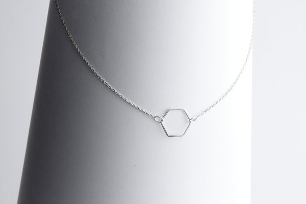 Single Hexagone Necklace