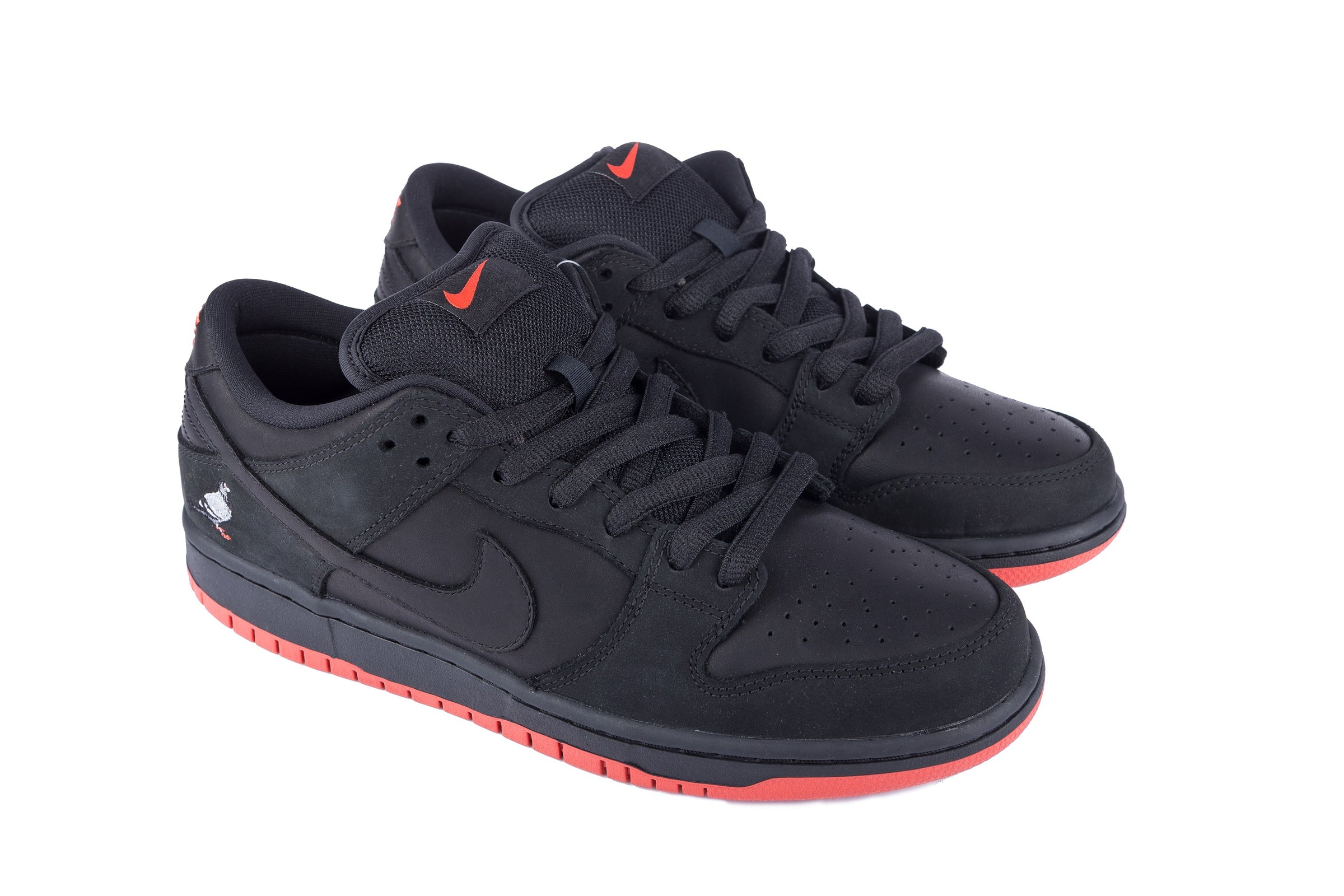 cheaper 4f7be 280a9 Staple x Nike SB Black Pigeon - Shoes  Staple Pigeon