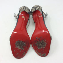 Load image into Gallery viewer, Christian Louboutin Size 37