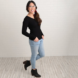 ECC - Elise Ribbed V-Neck Top