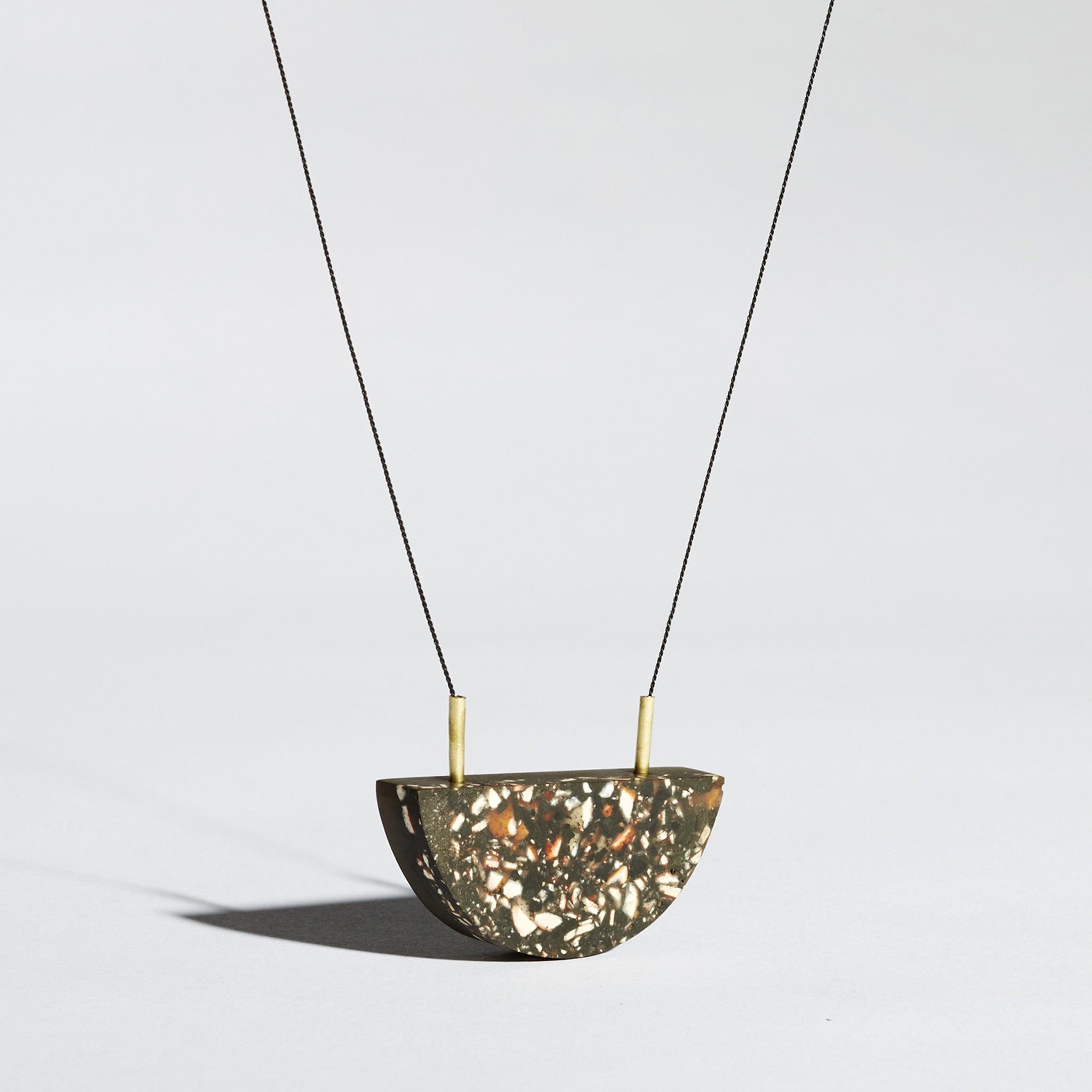 pendant en moon necklace half home chiara
