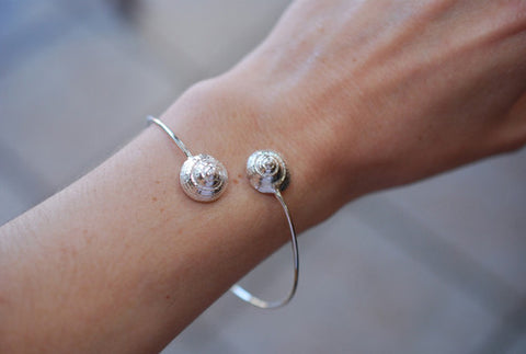 Shark's Eye Moon Shell Bracelet
