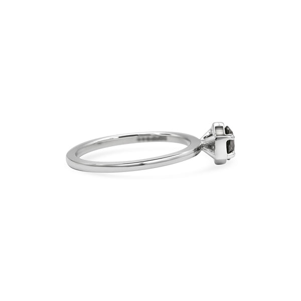 Grey Aquila Ring