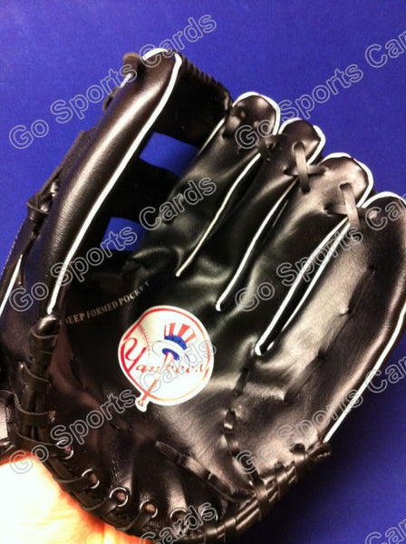 New York Yankees Glove in original bag MBNA SGA