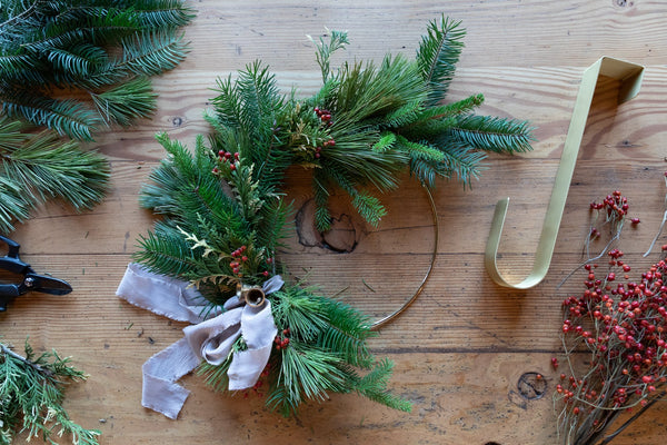 Simple How-To: Make a Winter Wreath