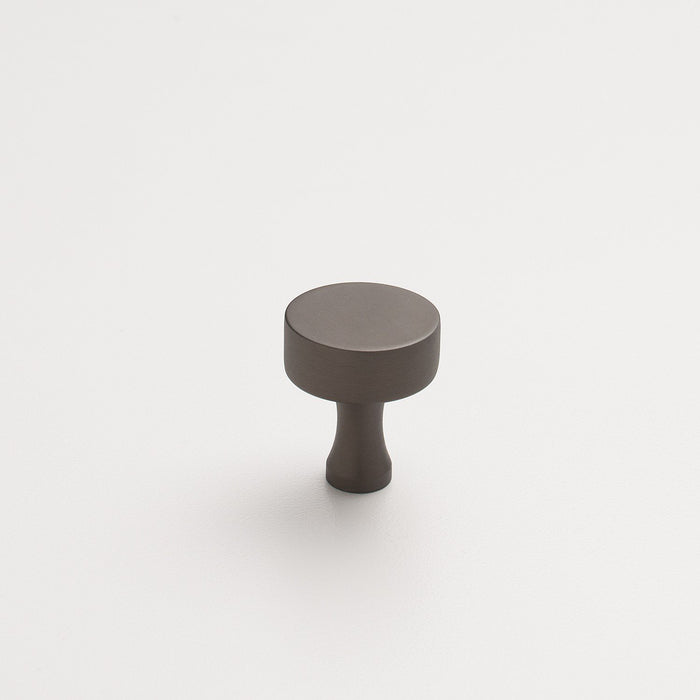 sku_image,riverwood-knob-matte-bronze,false,false