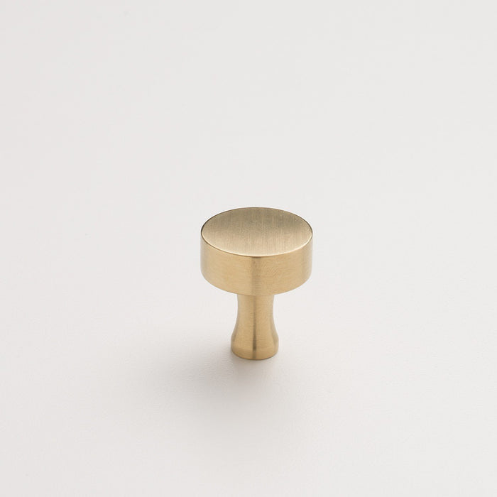 sku_image,riverwood-knob-natural-brass,false,false