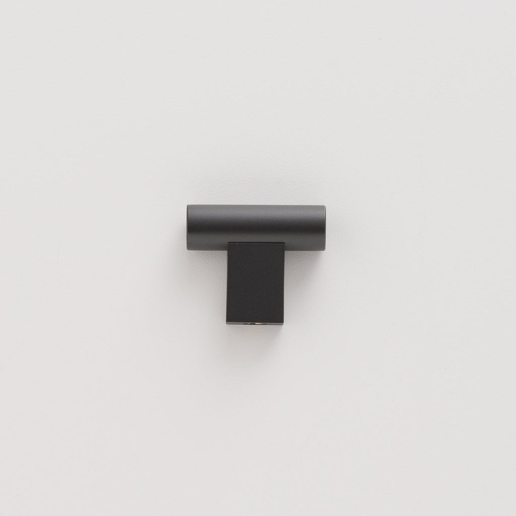 sku_image,t-pull-true-black,false,false