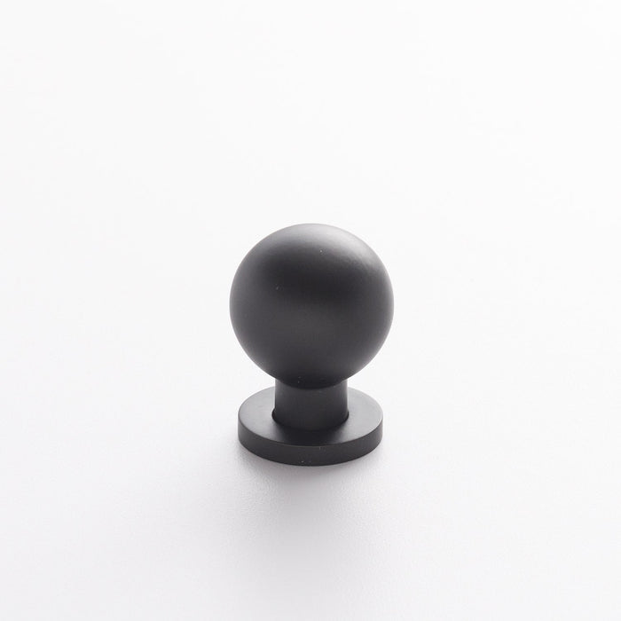 sku_image,ruth-knob-flat-black,false,false