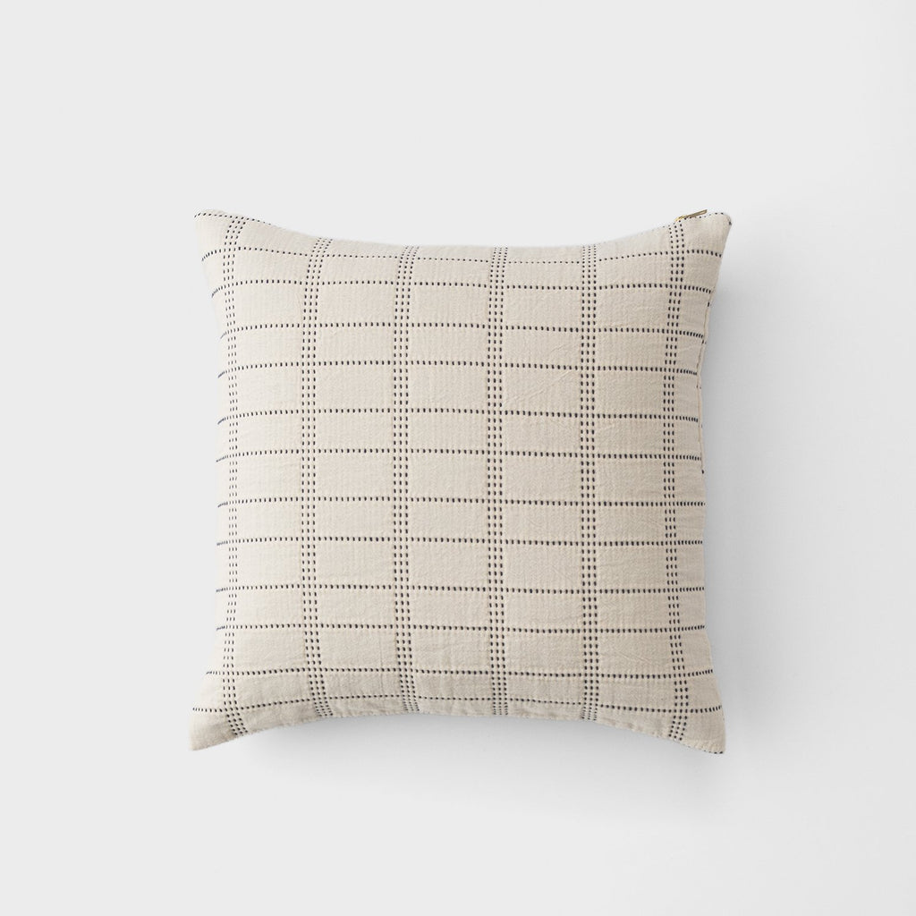 sku_image,ivory-grid-stitch-throw-pillow,false,false
