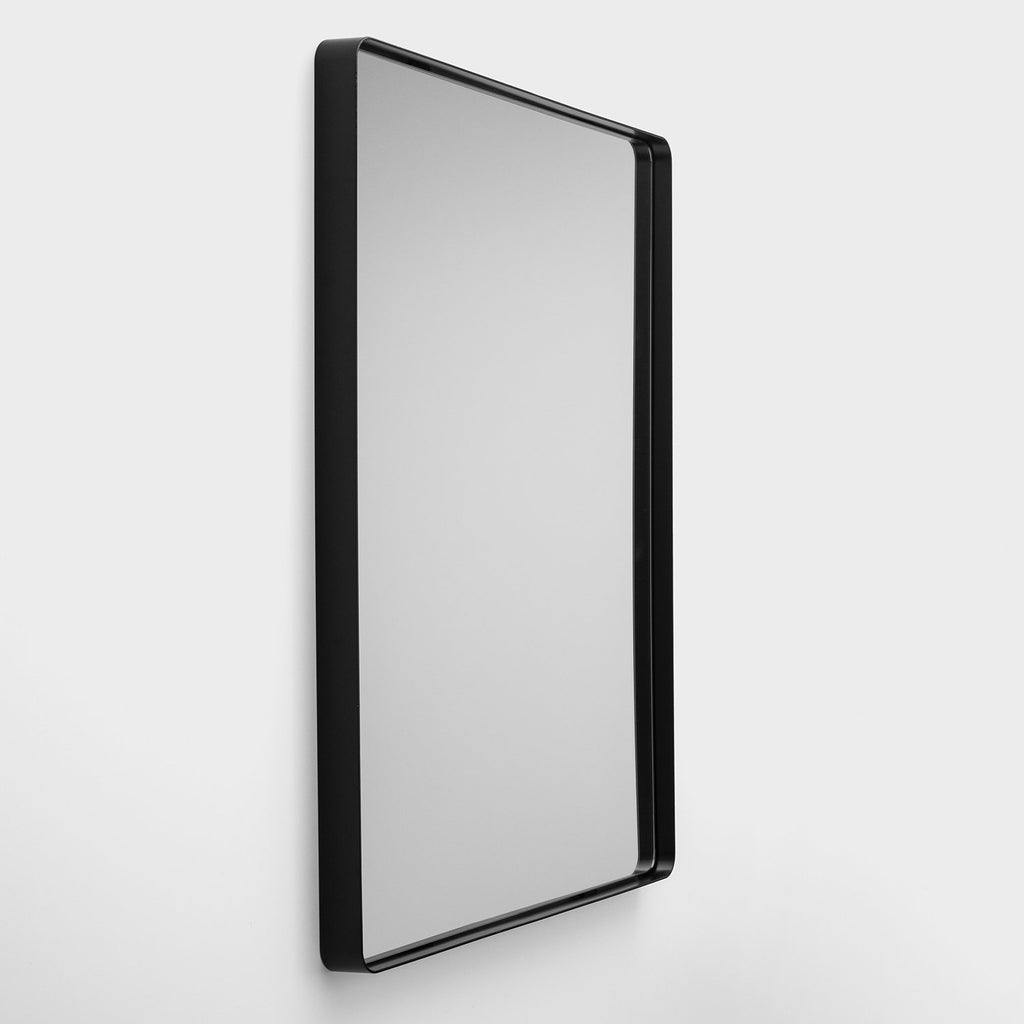 sku_image,leo-mirror-30-x-40-satin-black,false,false