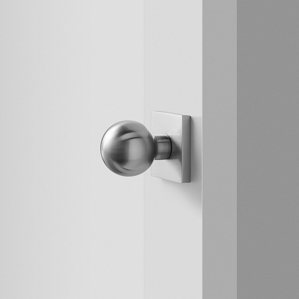 sku_image,berlin-door-set-with-globe-knob-satin-nickel,false,false