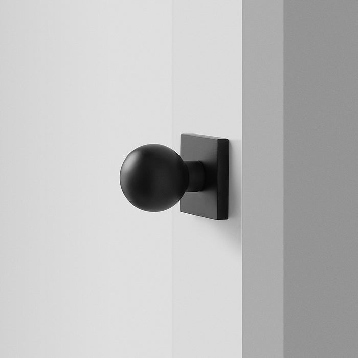 sku_image,berlin-door-set-with-globe-knob-flat-black,false,false