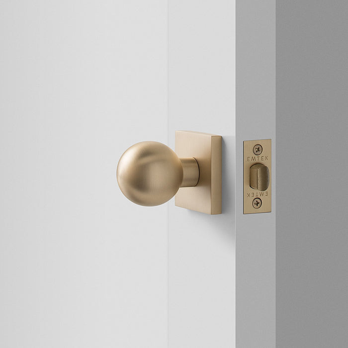 sku_image,berlin-door-set-with-globe-knob-satin-brass-612412,false,false