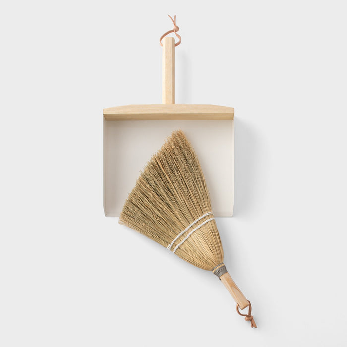 sku_image,ash-handbroom-dustpan,false,false