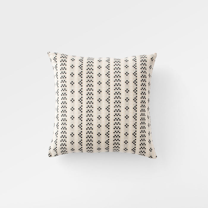 sku_image,charm-throw-pillow,false,false