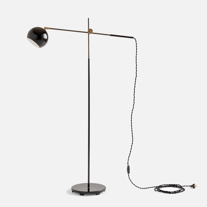 sku_image,studio-floor-lamp-factory-black,false,false