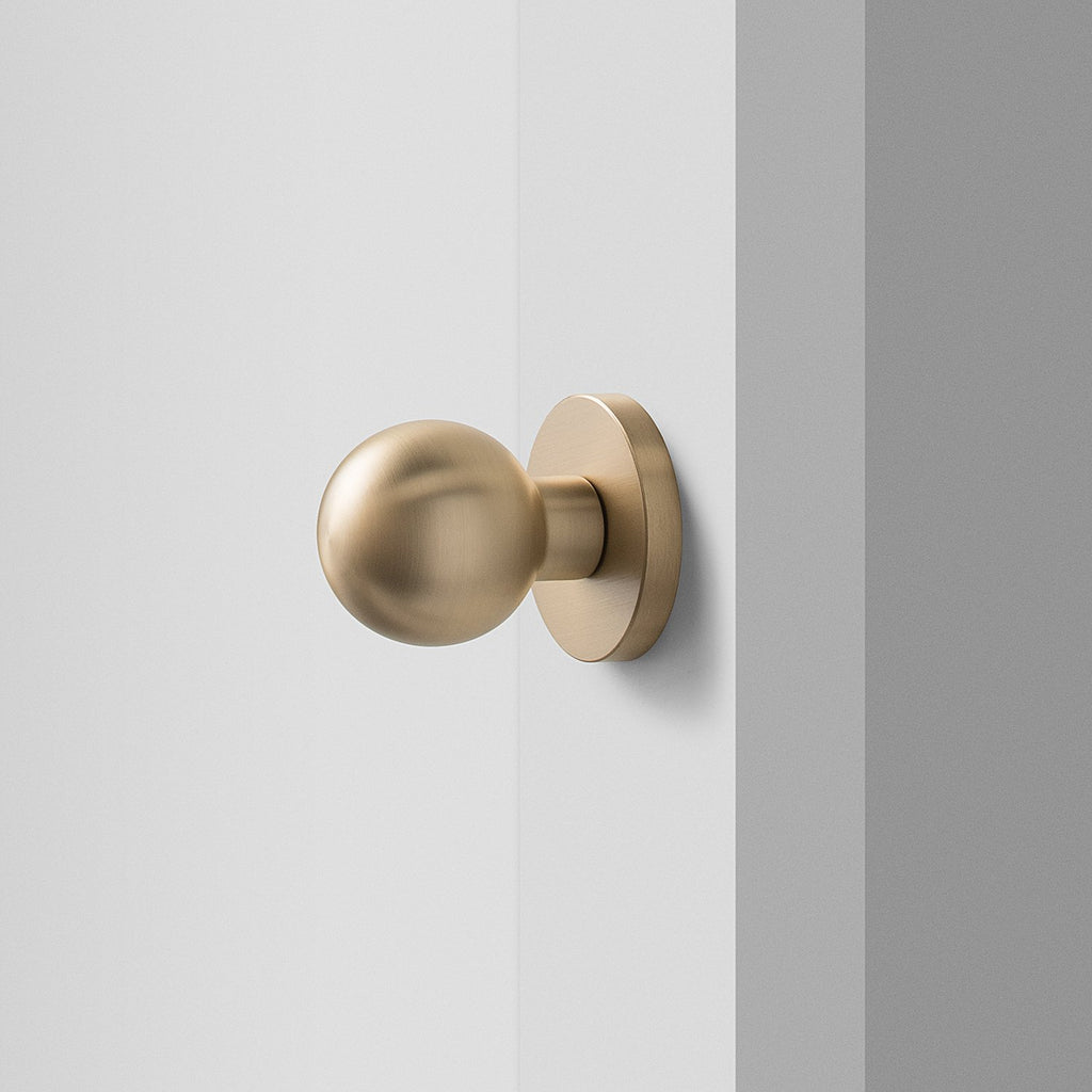 sku_image,york-door-set-with-globe-knob-satin-brass,false,false
