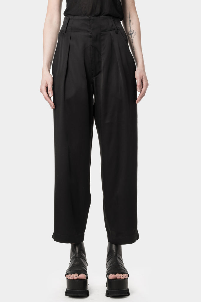 Cropped pleated pants