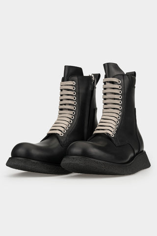 Laced leather para sole boots