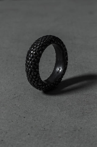 Gussev oxidised silver ring - Orimono Berlin