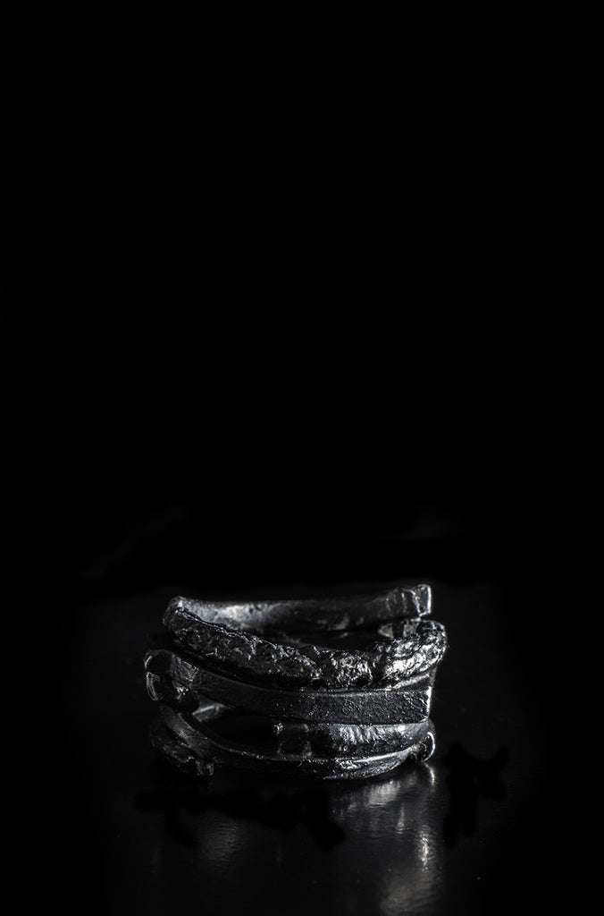 Leon Louis Shadow illusion Black pigmented silver ring