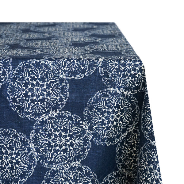 Interlocking Kaleidoscope Print Raw-Hem Fabric Tablecloth