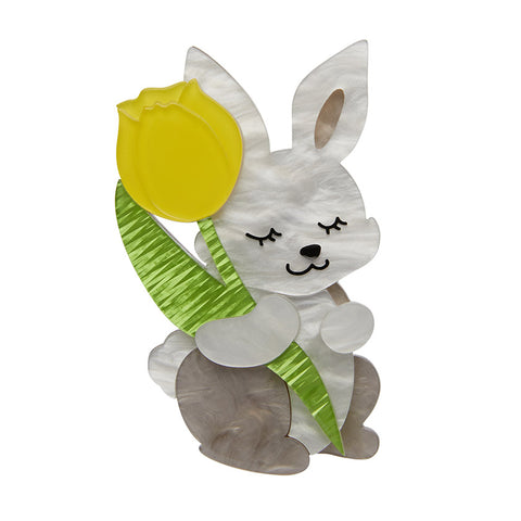 JUNIOR & HIS TULIP (Erstwilder Resin Bunny Brooch) - Glitterally.co.uk