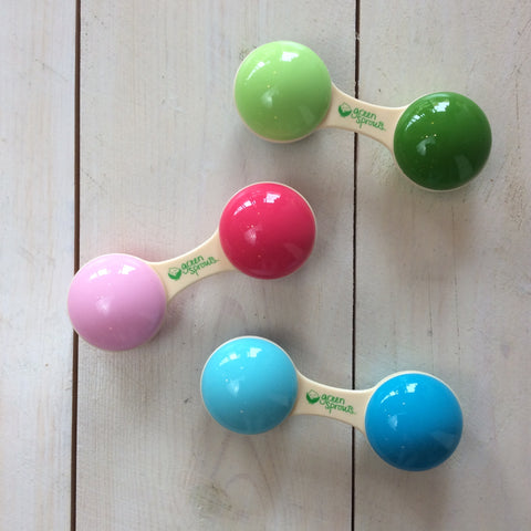 Green Sprouts: Cornstarch Dumbbell Rattles - Busy B Kids - 1