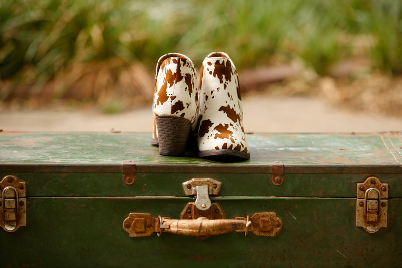 Brown Legen-Dairy Cow Booties