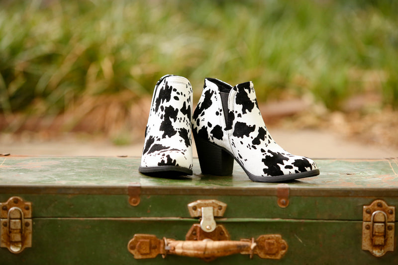 Legen-Dairy Cow Booties