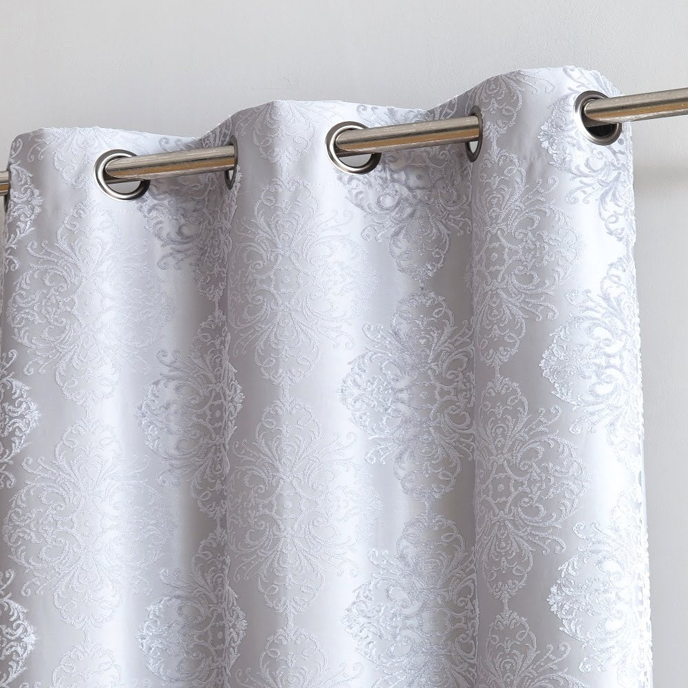Warm Home Designs Textured 100% Blackout White Insulated Curtains in 4 Sizes