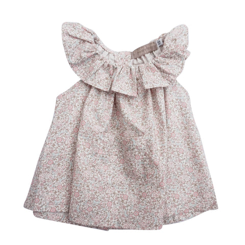 This adorable top with the season must frill collar, cute front pocket and matching bloomers is perfect for the warmer days. This shirt can be easily styled with summer shorts and skirts for a delightful polished outfit. For the perfect combination get Florecitas Frilled Bloomers FRONT