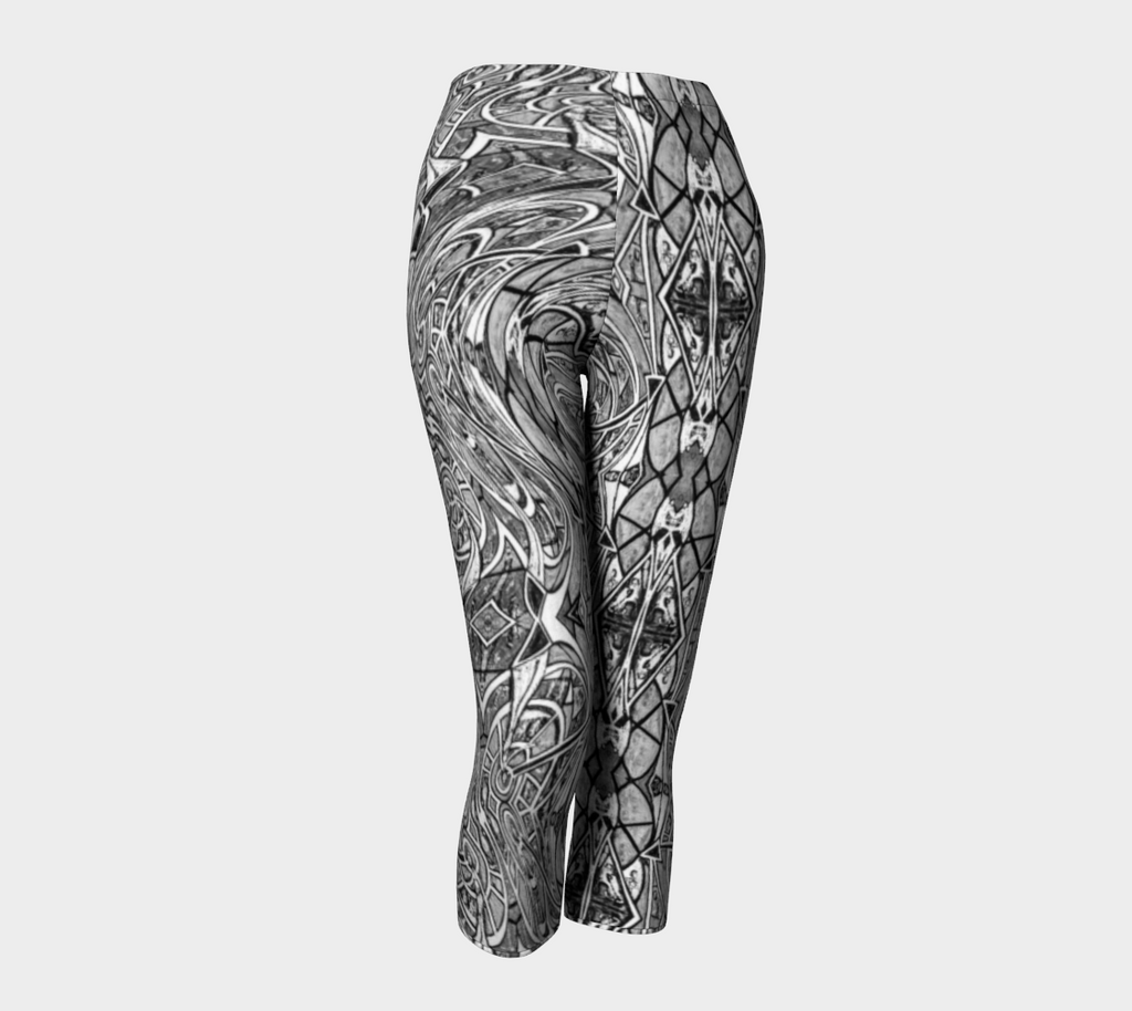 Charlee Time Lapse Capris in Black and White