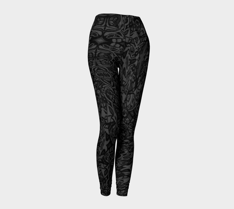 Charlee Shears Capris in Black and White